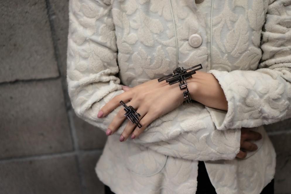 gioielli-architettura-zimarty-loop-wearbale-architecture-3