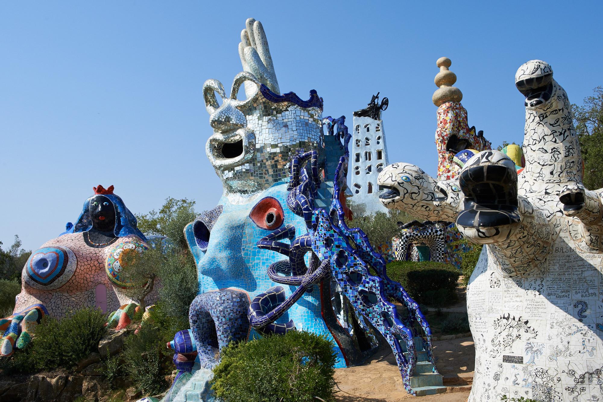 10 Niki_de_Saint_Phalle MoMA