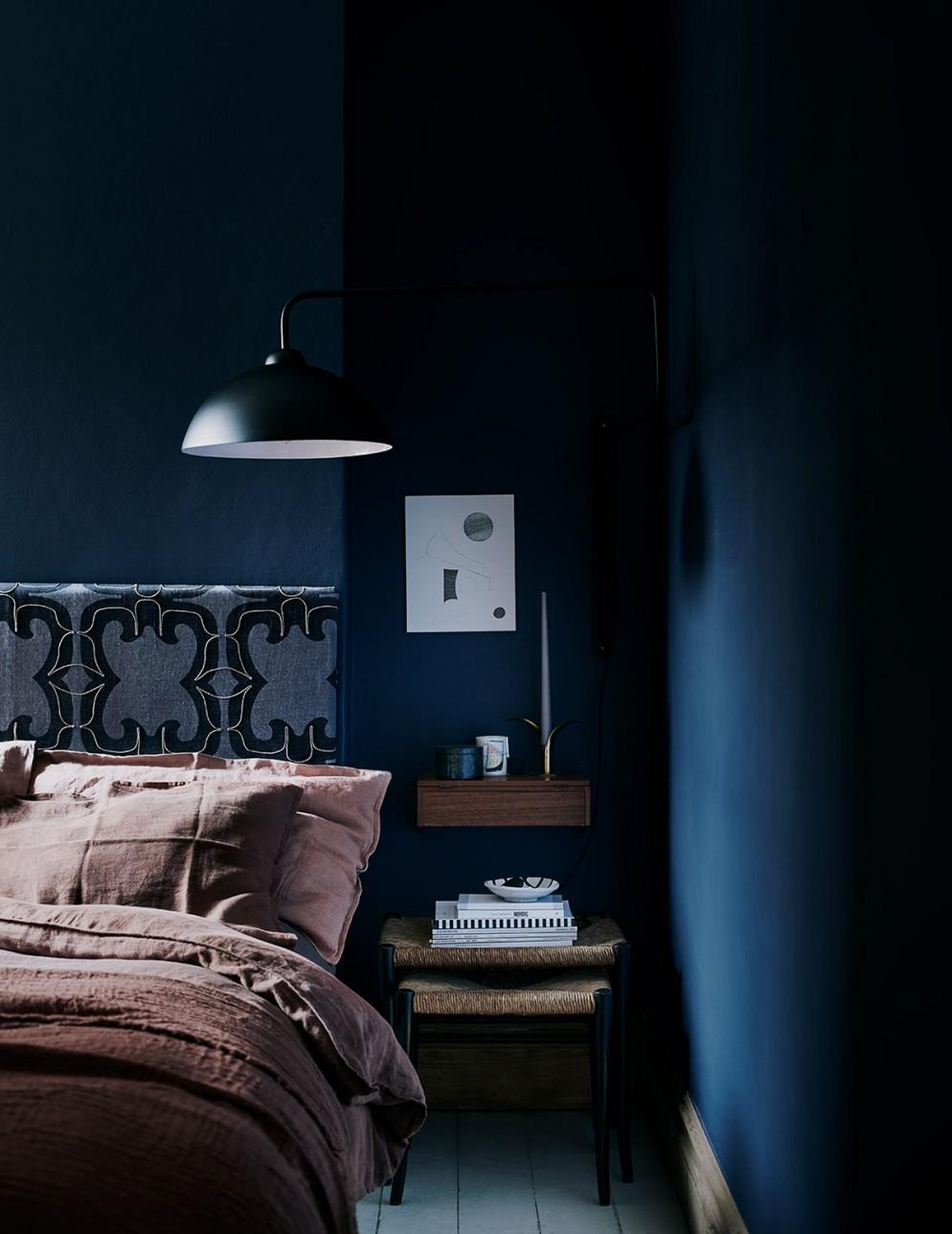 11  blu-navy-colore pareti_living-corriere