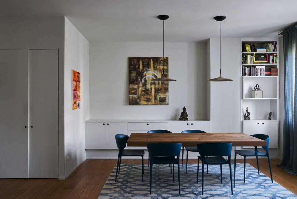 2  blu-navy-colore pareti_living-corriere