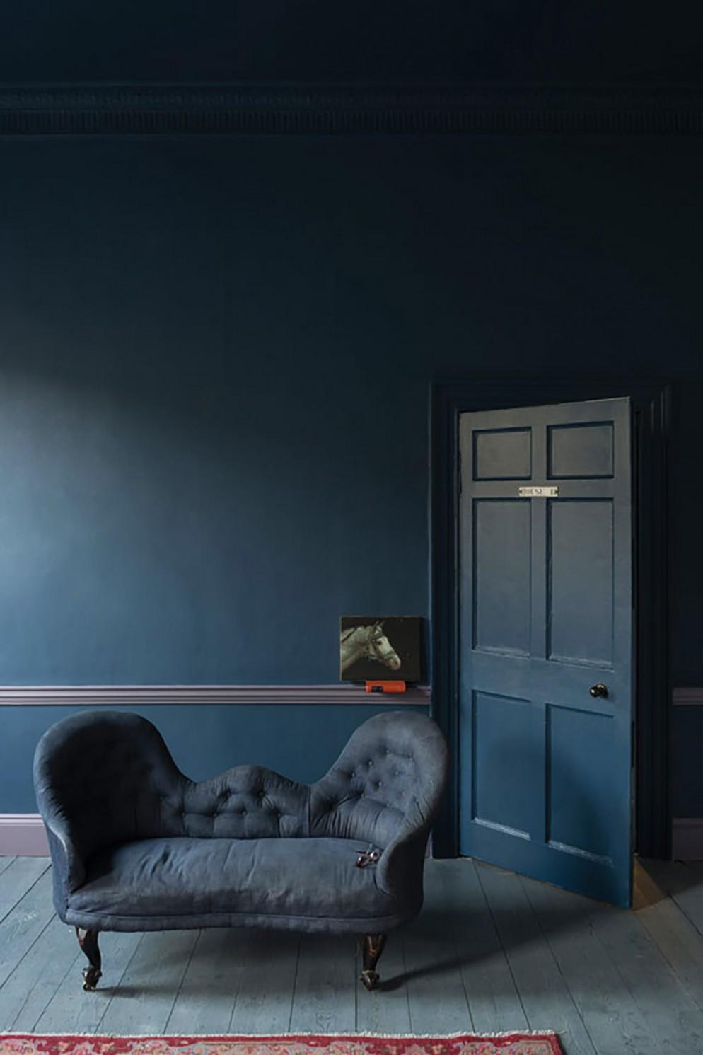 8  blu-navy-colore pareti_living-corriere
