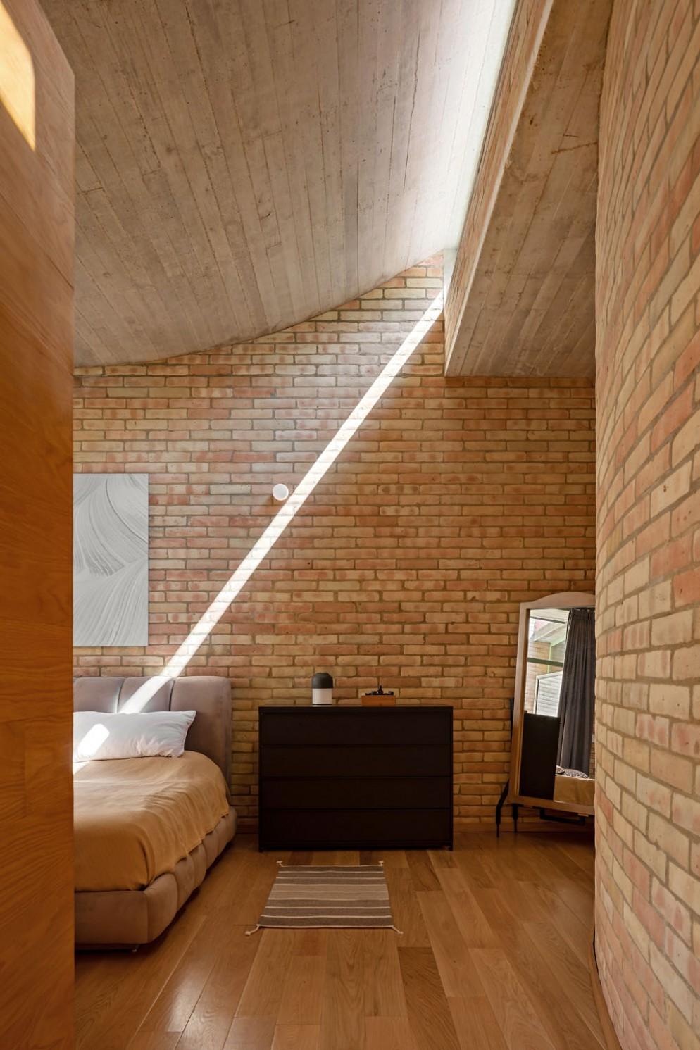 arredare-casa-mattoni-a-vista-progetto-architetti-Lanza-Atelier04