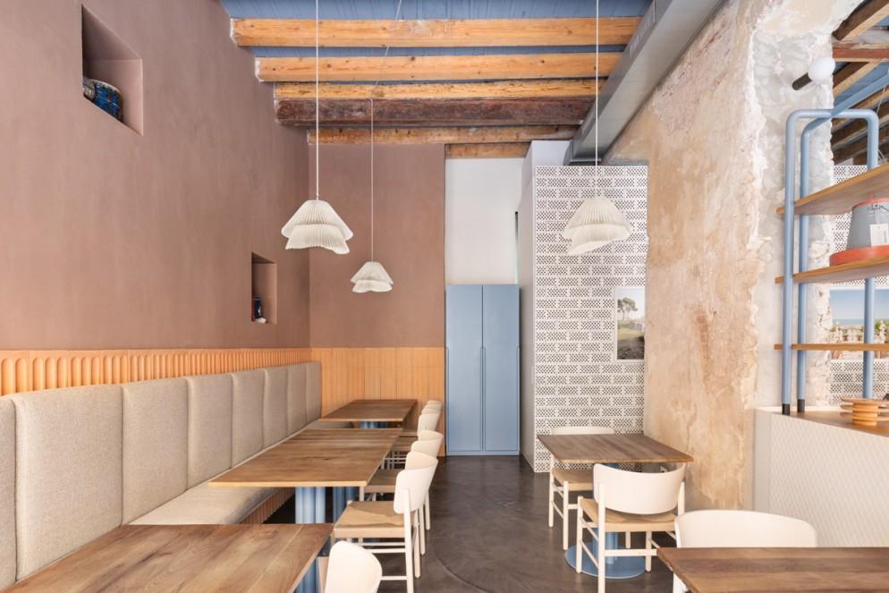 colori-pareti-2021-terracotta-rosa-ristorante-28-posti-milano-ristina-living-corriere