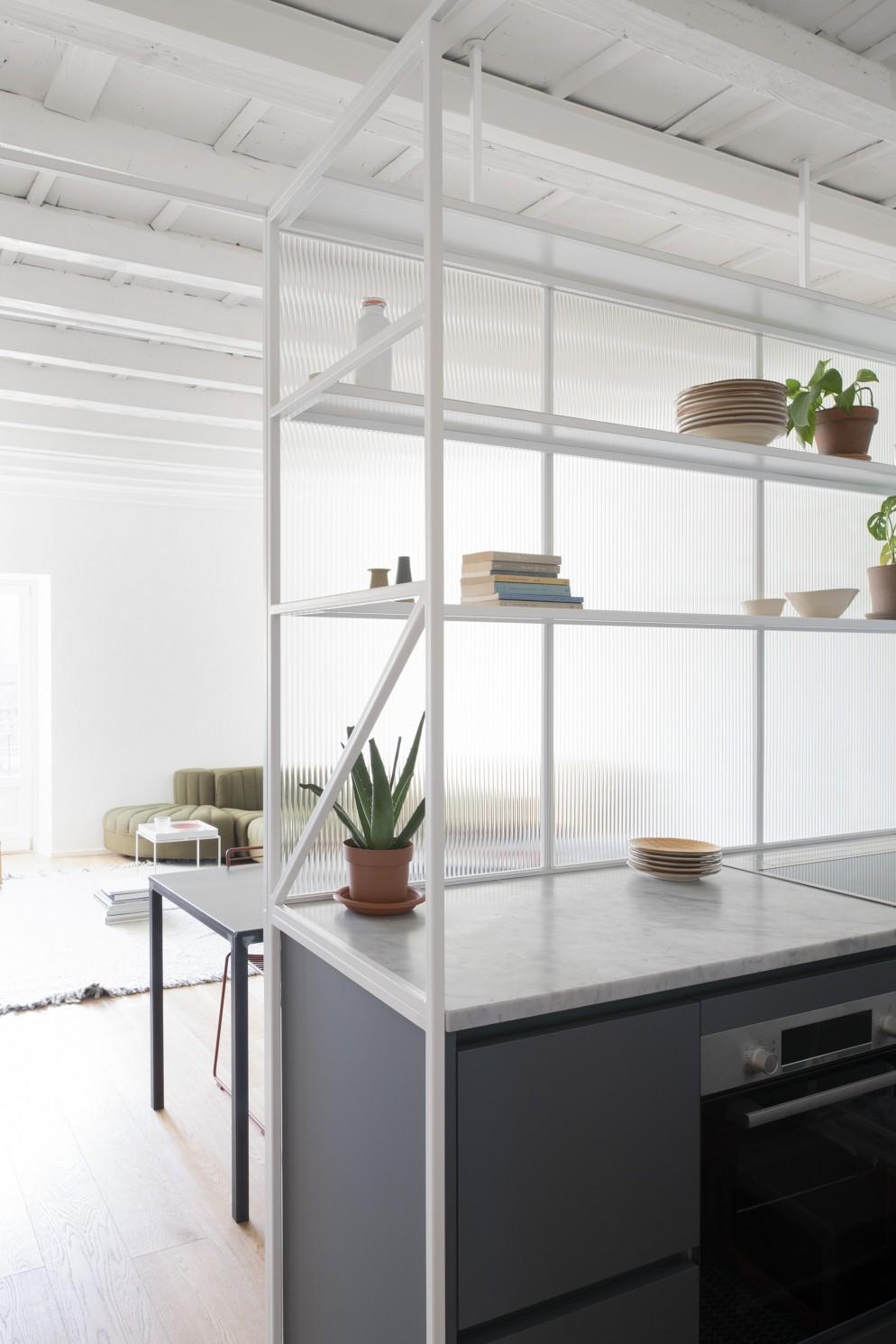 cucina isola monolocale