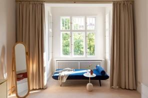 Dividere con le tende: le idee degli interior decorator