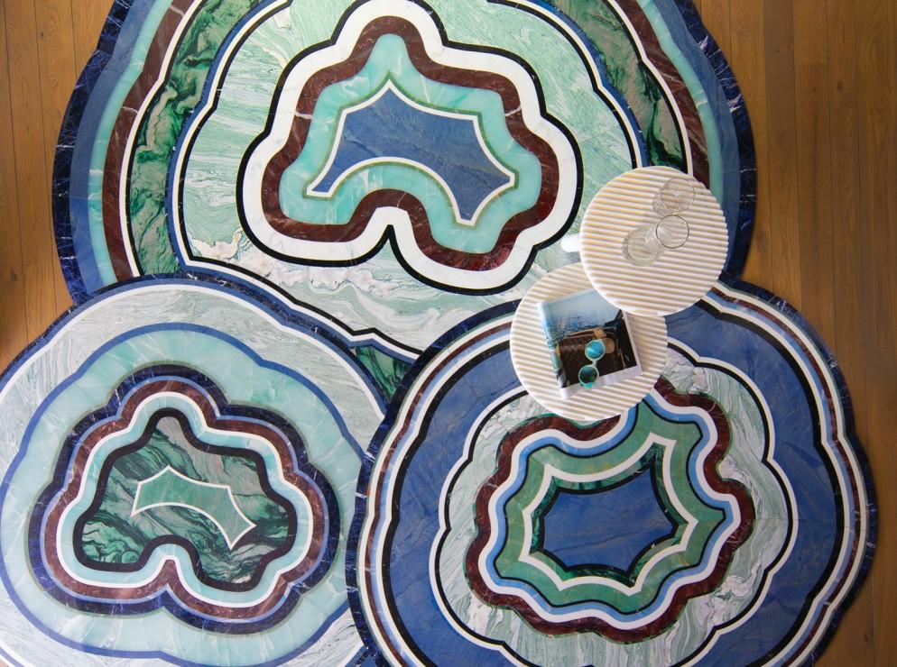 tappeti-moderni-forme-strane-Budri_AGATA-living-corriere