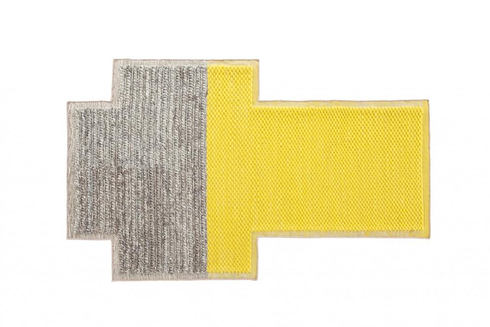 tappeti-moderni-forme-strane-GANRugs_rug_big_rectangular_yellow_plait-living-corriere