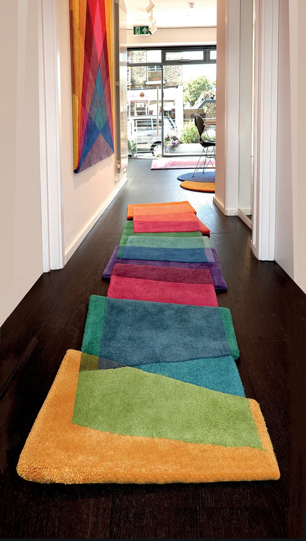 tappeti-moderni-forme-strane-Sonya_MSS4 Selvedge 7-living-corriere