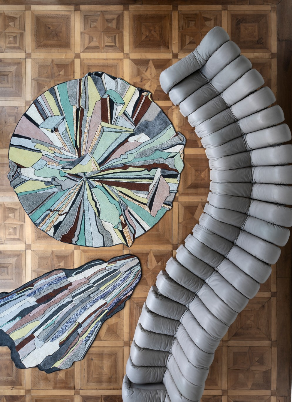 tappeti-moderni-forme-strane-Super-Fake-Collection-by-Bethan-Laura-Wood_Photo-Beppe-Brancato_Styling-Greta-Cevenini_3