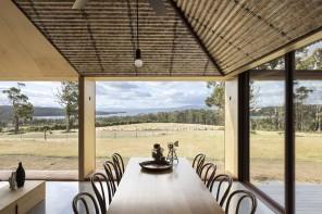La casa di campagna è un grande open space a contatto con la natura
