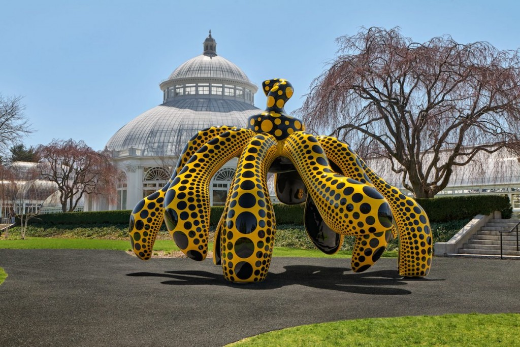Dancing Pumpkin, 2020, The New York Botanical Garden. Collection of the artist. Courtesy of Ota Fine Arts and David Zwirner.