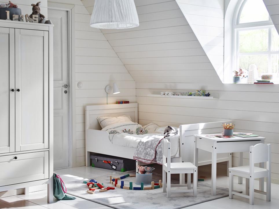 08 Sedioline Ikea Sundvik seggiolina