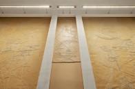 Apple_Via-Del-Corso-opens-in-Rome-interior-wall_052721