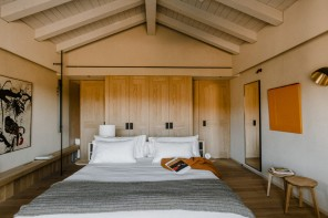 Casa di Langa, il nuovo eco-resort tra i vigneti piemontesi