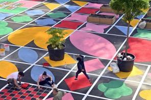 A Quarto Oggiaro, l'ex parcheggio ora è una piazza arcobaleno