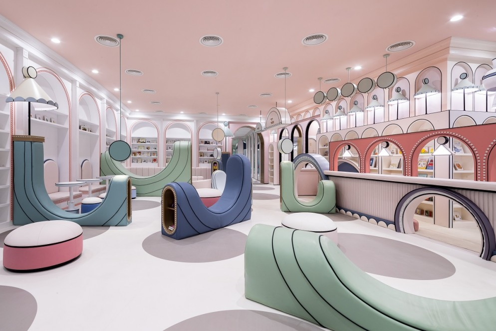 kawaii-interior-design-loong-swim-club