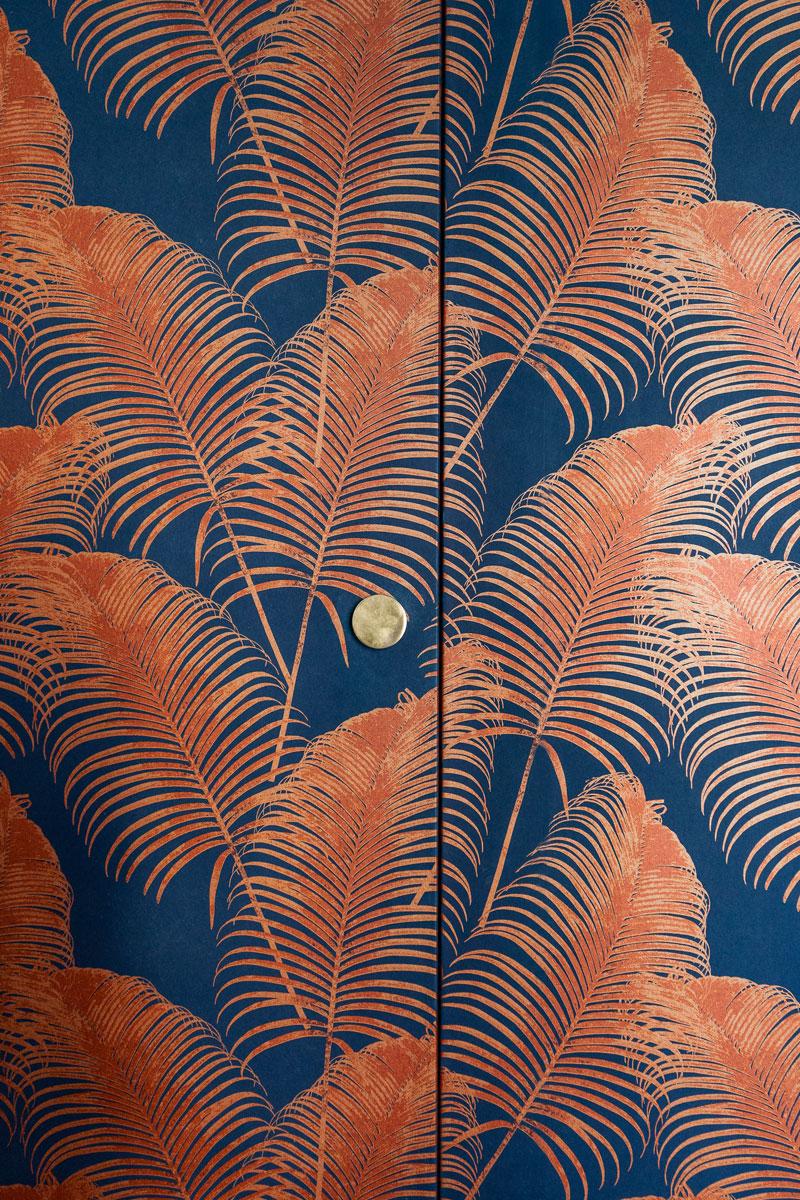 kickoffice-casa-cb-detail-wardrobe-handle-brass-wallpaper-foliage