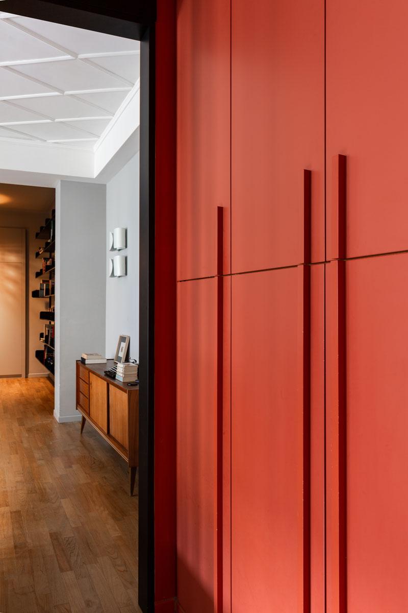 kickoffice-casa-cb-hallway-bespoke-forniture-orange-color-flos
