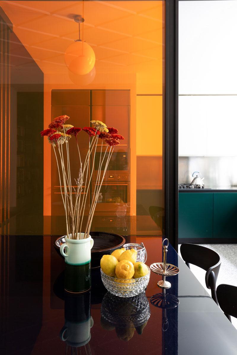 kickoffice-casa-cb-kitchen-venetacucine-filter-color-glass-table