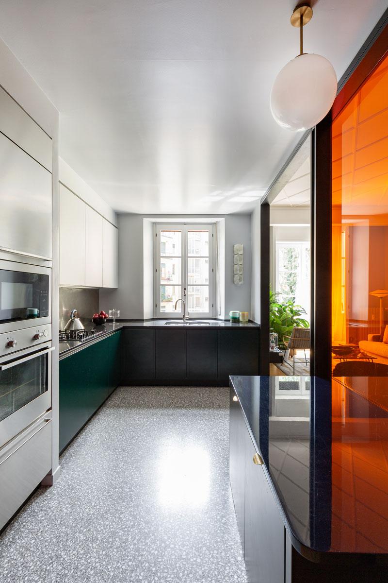 kickoffice-casa-cb-livingroom-kitchen-livingroom-filter-color-glass-mariottifulget-venetacucine