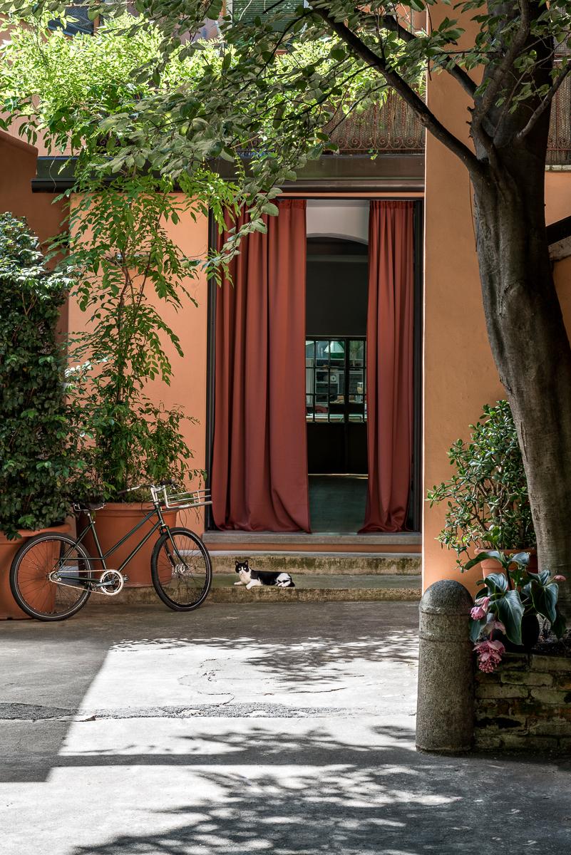 A Milano un'ex falegnameria diventa un loft in stile industriale - Foto