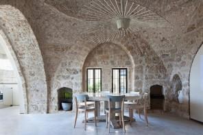 Pareti in pietra: le idee più riuscite per una stanza nella roccia