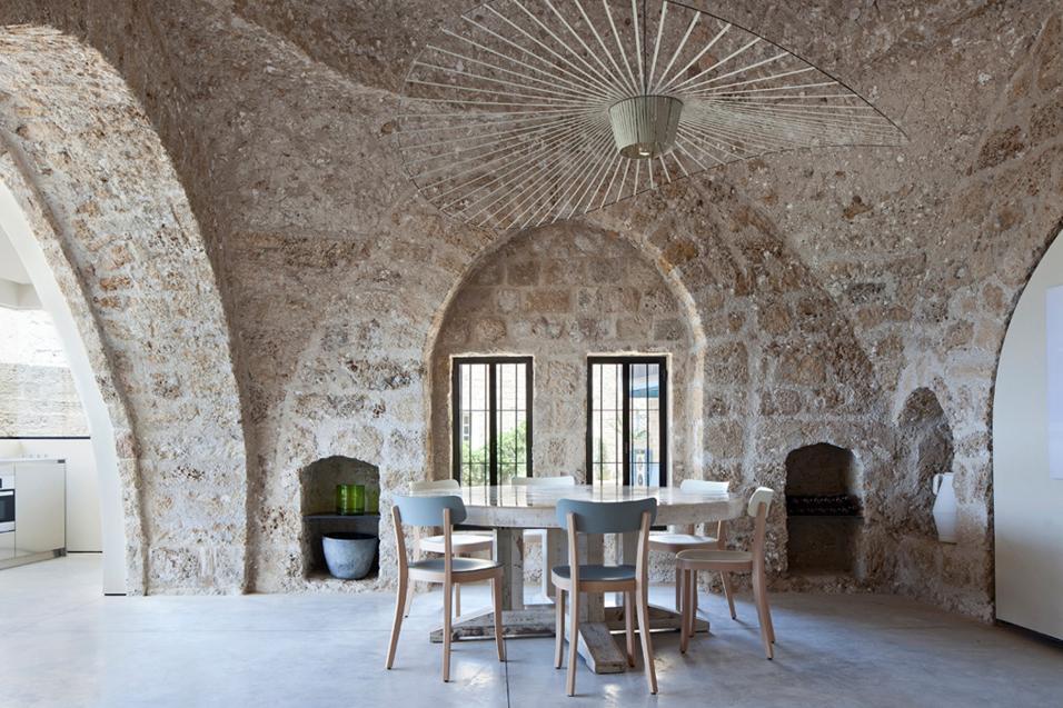 pareti-in-pietra-idee-soggiorno-living-corriere