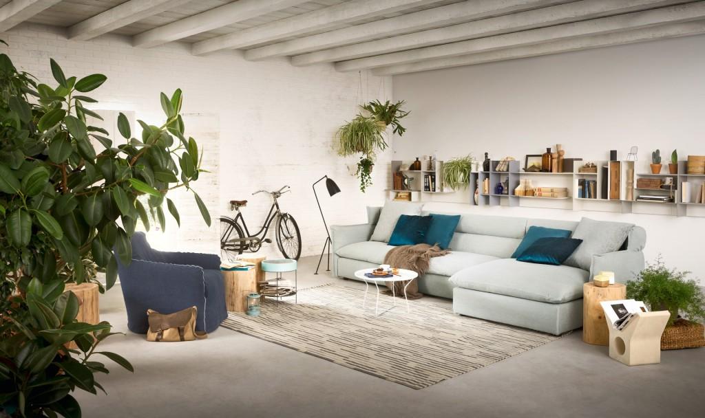 salotti-moderni-di-fianco-divano