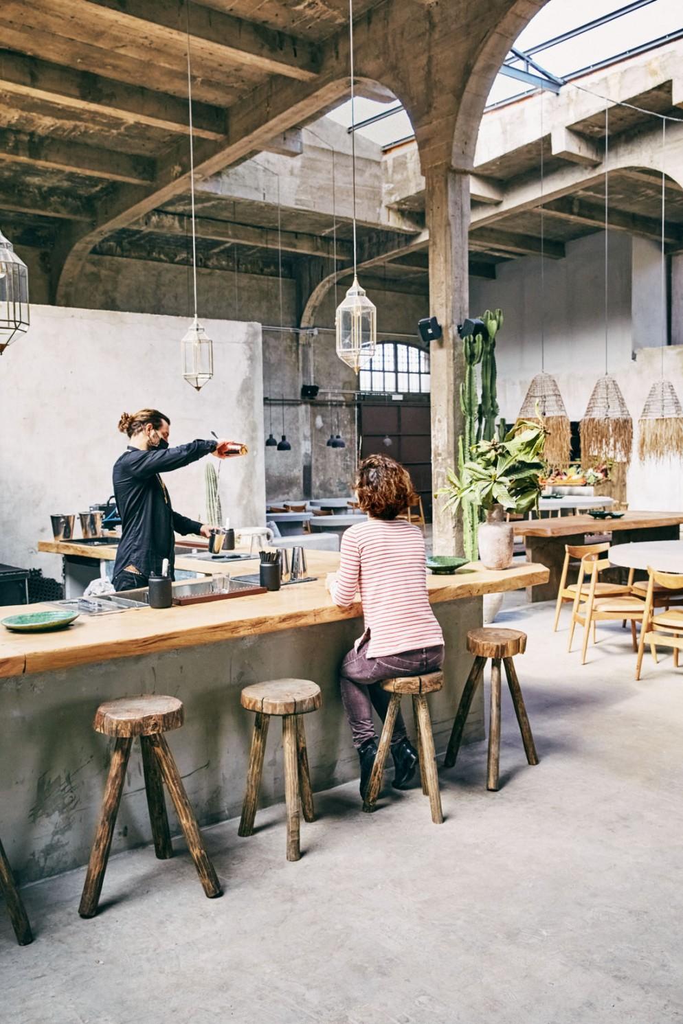 scalo-lambrate-co-working-mercato-sostenibile-start-up-vetrina-designer-artisti-ristorante-05