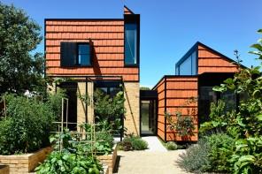 L'ampliamento di un cottage che diventa un piccolo villaggio privato