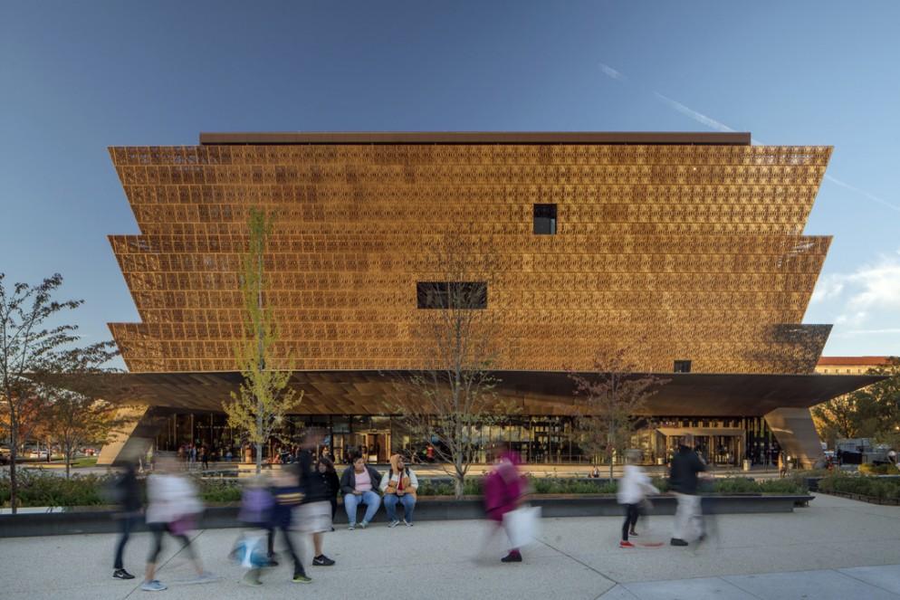 02 Sir David Adjaye_RIBA Royal Gold Medal for Architecture_Smithsonian_Nic Lehoux