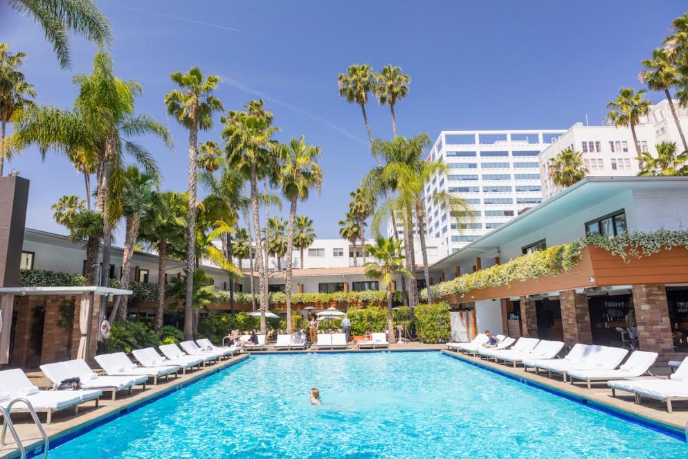 08 Tropicana Pool Hollywood_David Hokney 02