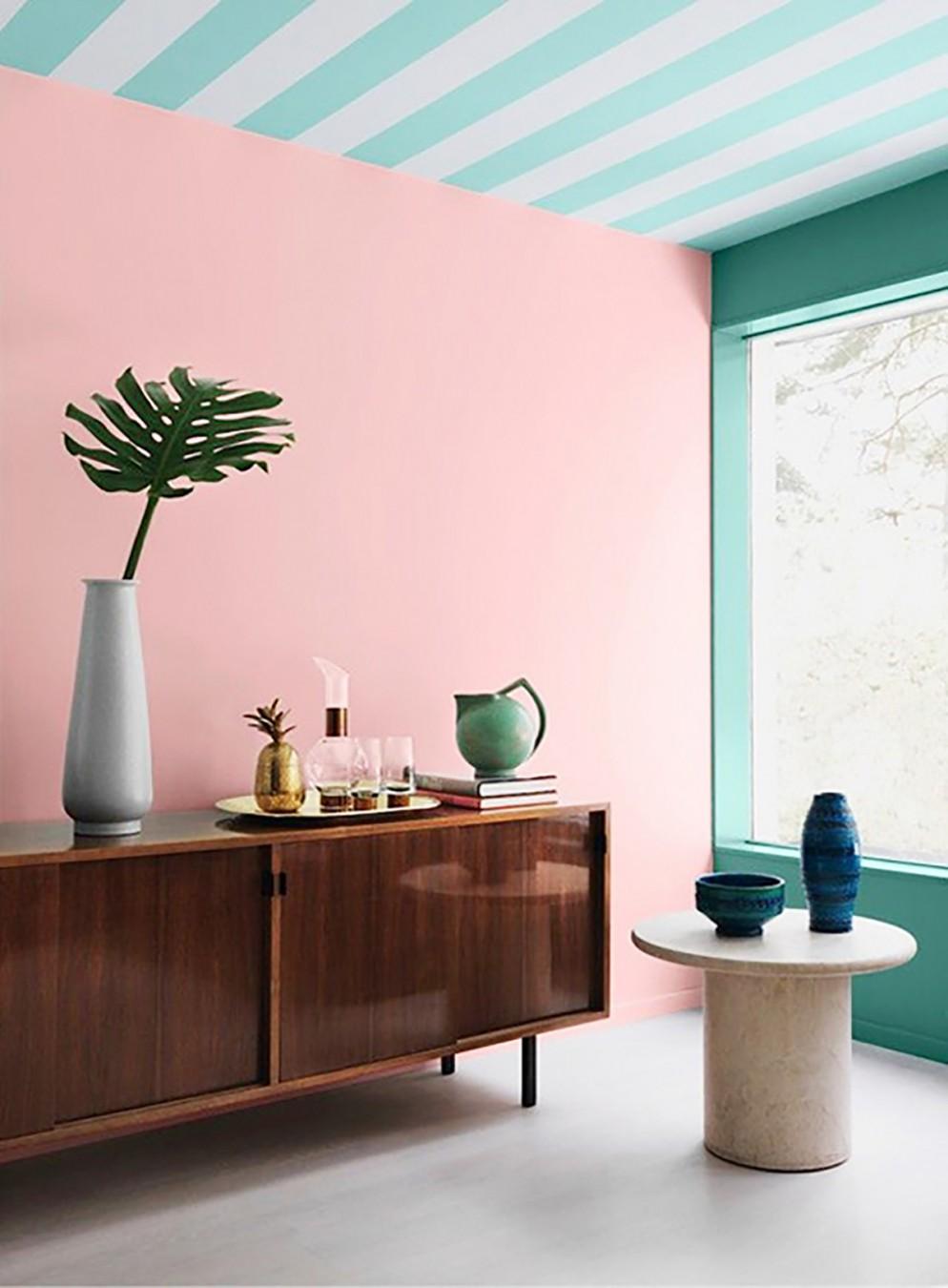 14 pareti-righe_living_corriere
