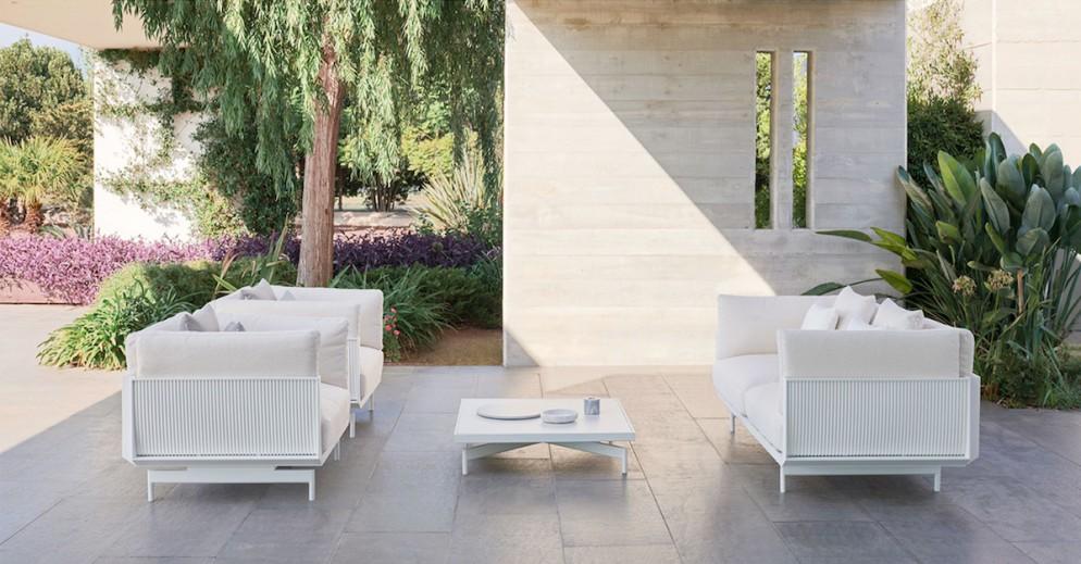 gandia-blasco-onde-coffee-table-square-luca-nichetto-1400x800-12