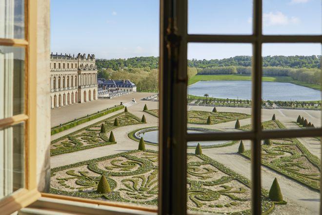 grand-chateau-de-versailles-attiques-du-midi-living-corriere