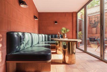 hotel-ami-patio-living-corriere