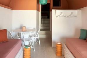 Colore e semplicità: Ianua, la nuova casa vacanze per gli amanti della Grecia
