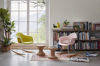 Rar Chair di Charles e Ray Eames per Vitra
