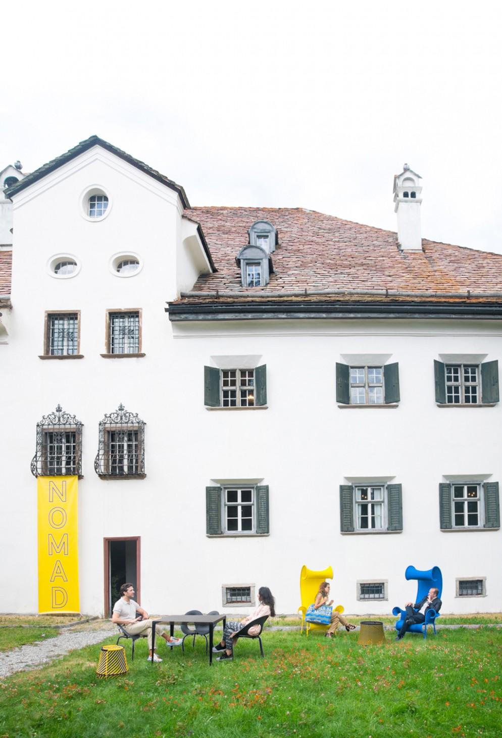 02_PS_NOMAD Summer Edition 2021 St. Moritz_CHESA_PLANTA_OUTSIDE 2_photo credit J'adore ce que vous faites!