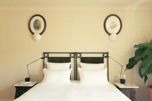 A Saint-Tropez, l'Hôtel La Ponche brilla ancora con il décor di Fabrizio Casiraghi
