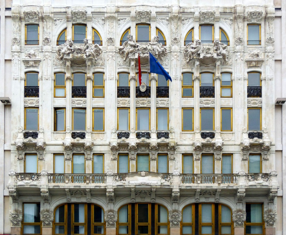 14 Milano-piazza-del-Liberty-8-ex-hotel-Corso-e-teatro-Trianon-Angelo-Cattaneo-e-Giacomo-Santamaria-1902-Ph.-Jacques-Lasserre