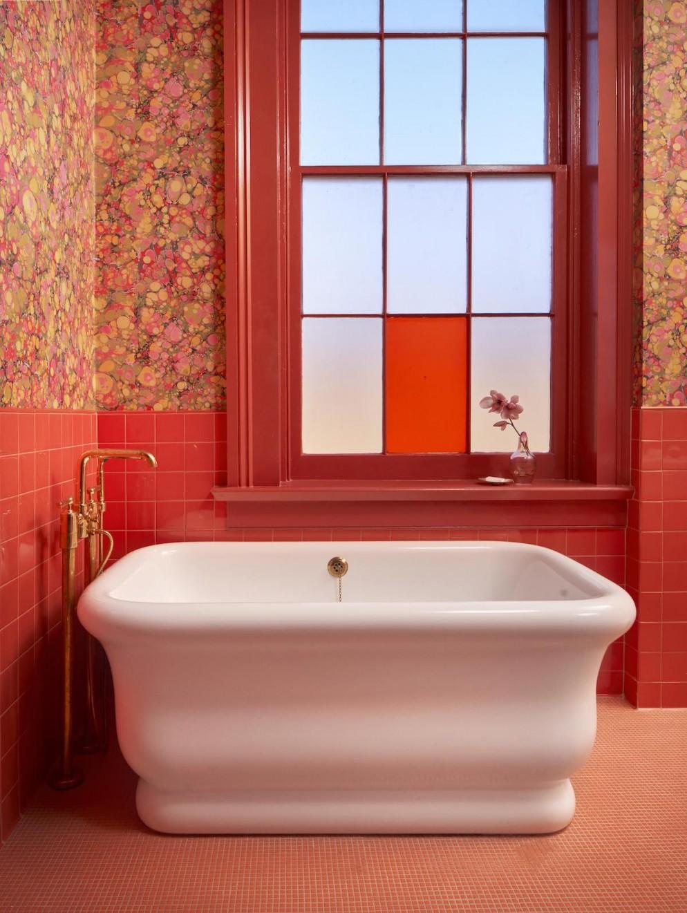 17 .Hotel-Saint-Vincent-Room-x-Bathroom-01-by-Nick-Simonite