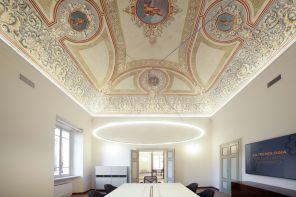 Affreschi e postazioni hi-tech: i nuovi uffici Unieuro a Forlì