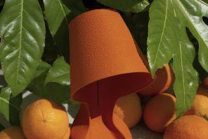 Bucce d'arancia e stampa 3D: l'abat-jour compostabile di una startup milanese