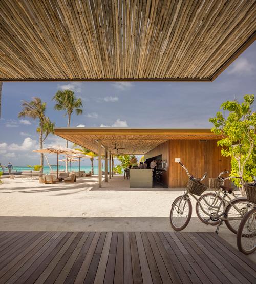 mk27-Pontiac-land-maldives-foto-Fernando-Guerra-1
