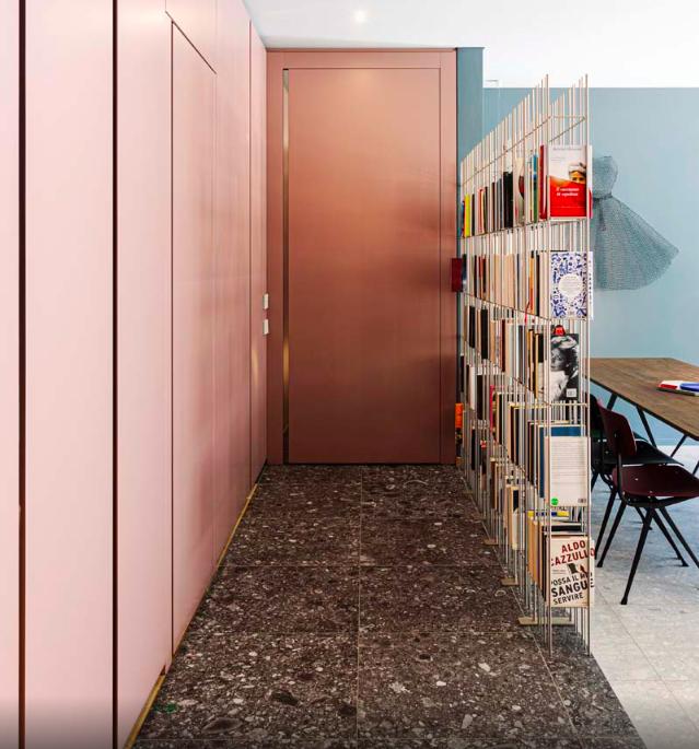 mobili-da-ingresso-colore-living-corriere