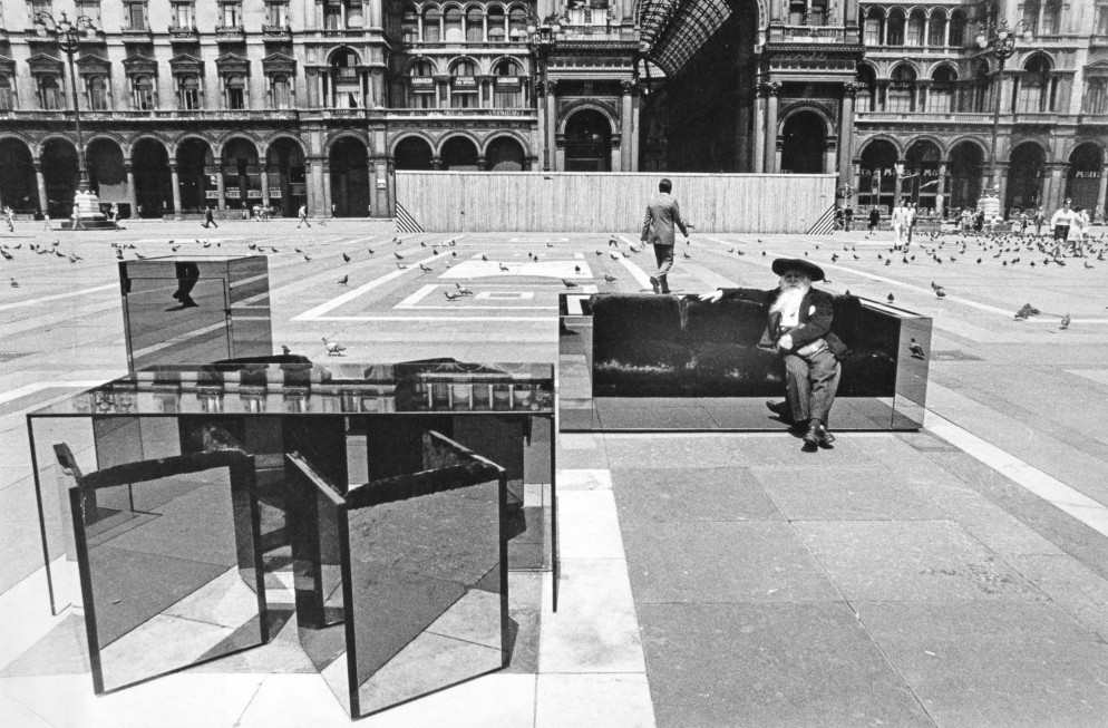 1. Collezione TOP, Il poeta Tavola, 1970, foto di Laura Salvati