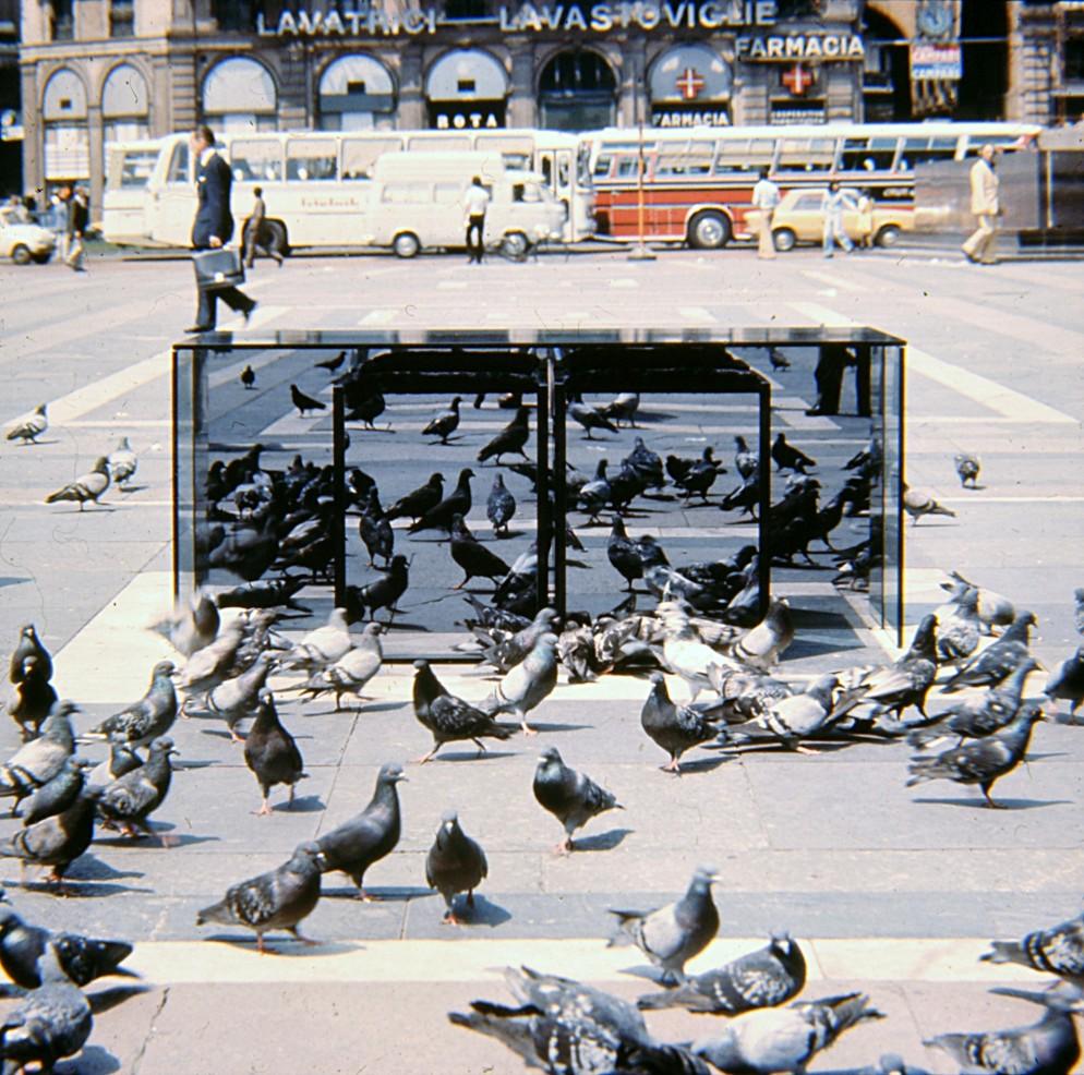 3. 1970_Collezione Top, foto Aldo Ballo, courtesy of Archivio Nanda Vigo