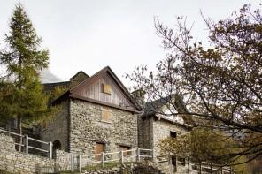 L'ex fienile sulle Alpi: fuori tradizione, dentro innovazione