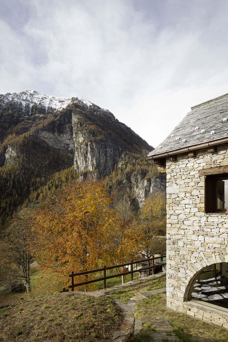casa-montagna-ATOMAA-foto-Alberto-Strada-11